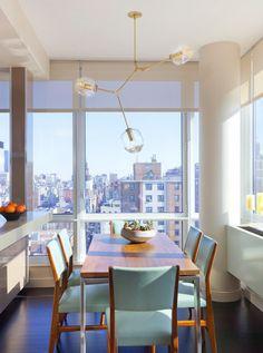 Interior design by Drew McGukin. Lindsey Adelman chandelier.
