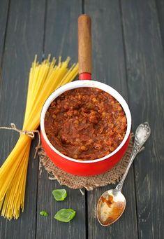 Tässä linssibolognesessa maistuu aito Italia! Kokeile pastassa, pizzassa tai lasagnessa.