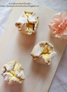 Mini lemon cheese pies