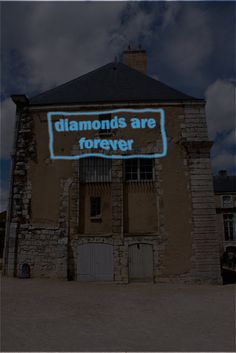 'diamonds are forever'  writing on the wall 1  Lex Hamers