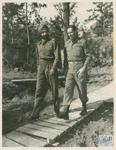 Sir Yadavinder Singh, Maharajah of Patiala with Lt. Mark Clark in Italy on 15 October 1944 Guru Pics, Lieutenant General, Oral History, Patiala, Ww2, Touring, Army, Museum, Italy