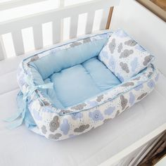 1 million+ Stunning Free Images to Use Anywhere Baby Bedroom, Baby Boy Rooms, Diy Clothes Making, Portable Baby Bed, Homemade Baby Gifts, Baby Nest Bed, Baby Sewing Projects, Baby Shower Decorations For Boys, Baby Swings