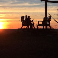 #manitobasunset  up at the cabin overlooking the #assiniboinevalley  Peace in my valley, all is well with the world.