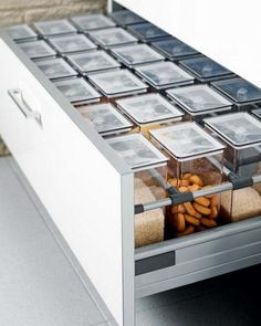 55 Smart Kitchen Organization Ideas You Should Try Kitchen Drawer Organization, Kitchen Cabinet Organization, New Kitchen Cabinets, Kitchen Drawers, Storage Organization, Storage Ideas, Kitchen Organizers, Food Storage, Kitchen Cupboard