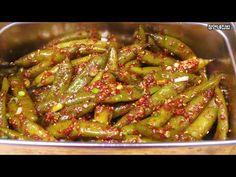 끓이지 않고 쉽게 삭혀서 맵지 않고 짜지 않은 맛있는 청양 고추 장아찌 무침 만드는 법 - YouTube Korean Food, Kimchi, No Cook Meals, Green Beans, Recipies, Asian, Baking, Vegetables, Recipes