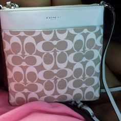 I don't think I have ever seen a coach purse that I didn't like. I'm such a huge fan. Out of all name brand purses, coach is my favorite.