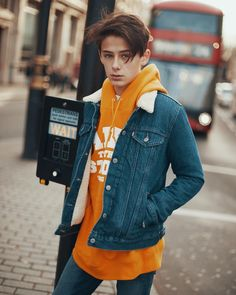 Will Franklyn-Miller ( Teenager Photography, Photography Poses For Men, Young Fashion, Boy Fashion, Photoshoot London, Luke Grimes, Teenager Mode, Trendy Boy Outfits, William Franklyn Miller