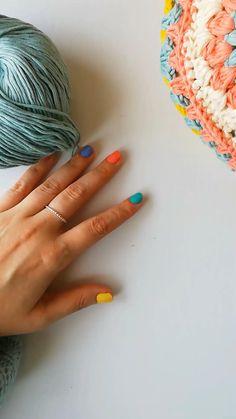 Crochet African Flowers, Crochet Daisy, Crochet Geek, Love Crochet, Diy Crochet, Crochet Flowers, Crochet Birds, Crochet Quilt, Crochet Animals