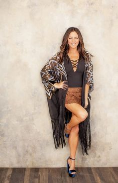 Sara Evans Speaks Her Truth About Inequality on Country Radio: Women 'Can't Get Our Music Played' Girl Country Singers, Hot Country Girls, Country Women, Country Musicians, Country Music Artists, Best Country Music, Country Music Stars, Thing 1, Beautiful Legs