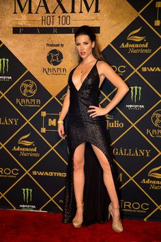 Stunning black dress at the 2016 Maxim Hot 100 Party Kate Beckinsale Hot, Kate Beckinsale Pictures, British Costume, Hollywood, Sexy Legs, Sexy Dresses, Beauty Women, Sexy Women, Beautiful Women