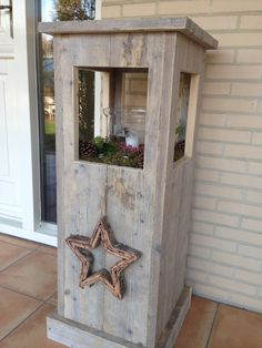 Windlight from used scaffolding wood made by Jan de Timmerman. Pallet Crafts, Wooden Crafts, Diy And Crafts, Christmas Wood, Christmas Crafts, Barn Wood, Rustic Wood, Wood Projects, Woodworking Projects