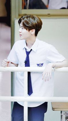 Luhan 鹿晗 reality show Back to School