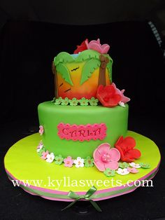 Hawaiian luau cake ~~~~~~~~~ bolo luau havaiana by Kyllasweets, via Flickr