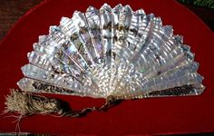ANTIQUE FRENCH MOTHER OF PEARL HAND FAN