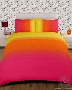 Wow! We love the bright colour of this modern #duvet!