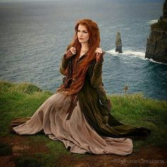 Welcome to what has become my shrine to the red heads of the universe! Who doesn't love redheads? Beautiful Redhead, Beautiful People, Natural Redhead, Fantasy Photography, Medieval Fantasy, Ginger Hair, Female Characters, Character Inspiration, Character Design
