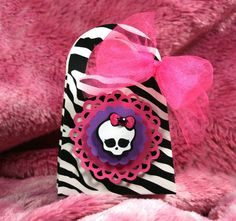 Monster High Purse Treat Bags   Skullette  by ScrappyChicShop, $2.99