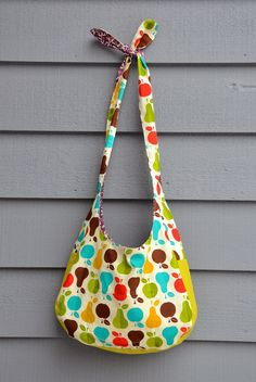 a1db3e829363 ikat bag  Emily s Slouch Bag and our Christmas Gift To You Gratis  Symönster