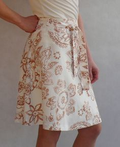 Tuto couture jupe- I wish it was in English. Diy Couture Jupe, Couture Sewing, Diy Clothes, Clothes For Women, Modest Skirts, My Outfit, Midi Skirt, Chiffon, Style Inspiration