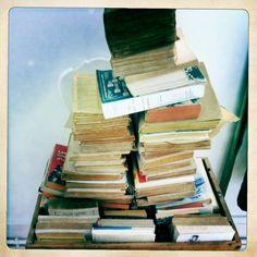 pile Normandie, Jenga, Reading, Books, Normandy