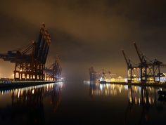 Hamburg Hafen | #harbour #cranes #night #lights #atmosphere #hamburg #port < repinned by www.BlickeDeeler.de