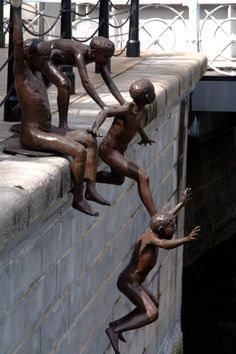 Cheong Fah Cheong :: bronze group of kids jumping into Singapore river