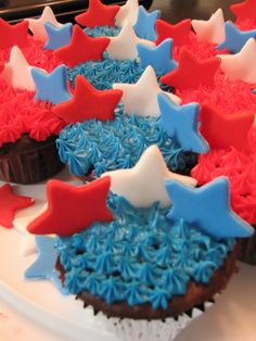 Celebrate Memorial Day with these fabulous Memorial Day cupcakes!