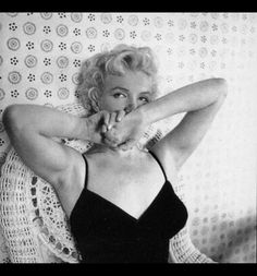 #hairstyle #costume #hollywoodhills #oldhollywood #marilynmonroe #petersneyder #fame #studio #showbiz #photography #filmphotography #modelling #art #nyc #beautycare #method #artist Hollywood Hills, Old Hollywood, Marilyn Monroe Life, Ambassador Hotel, Cecil Beaton, Photograph Album, Film Photography, Beauty Care, Nyc