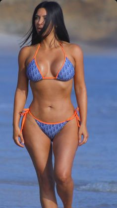 Sexy Bikini, Bikini Girls, Sexy Outfits, Mädchen In Bikinis, Jolie Lingerie, Femmes Les Plus Sexy, Bikini Poses, Beautiful Girl Photo, Beach Girls