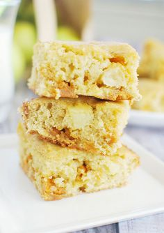 Apple Butterscotch Blondies - delicious blondies filled with apple chunks and butterscotch chips!