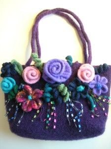 Felted Wool Purse Patterns From Sweaters - Bing Images Crochet Handbags, Crochet Purses, Purse Patterns, Knitting Patterns, Felt Purse, Felt Bags, Handmade Purses, Knitted Bags, Wool Felt