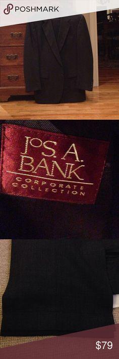 "Men's Jos A Banks Dark Gray Suit Men's Jos A Banks Dark Gray Suit.  Jacket Size 43L, waist 36.  100% Pure New Wool. Pant have front pleats and 1"" cuffs. BJacket has no vent. Suits & Blazers Suits"