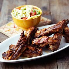 These lamb ribs are delicious and great served at a barbecue or garden party. The ribs are marinated in ginger ale, onions, garlic, soy sauce and honey and served with a light tomato, pasta and pea salad. Easy Lamb Recipes, Rib Recipes, Sauce Recipes, Cooking Recipes, Healthy Recipes, Olives, Barbecue, Tomato Pasta Salad, Rib Sauce