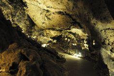 Piñar, pueblo de Granada y su impresionante Cueva de las Ventanas.