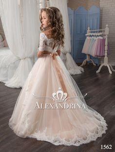 Alexandrina - 1562 - Robe à fleurs, Girls Communion Dresses, Girls Pageant Dresses, Wedding Dresses For Girls, Girls Party Dress, Birthday Dresses, Kid Dresses, Flower Girl Dresses Country, Little Girl Dresses, Flower Dresses