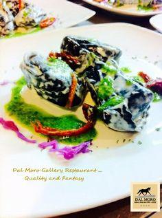 Tortelli al Salmone e Mascarpone su Specchio di Panna Acida,Pesto di Rucola e Pomodorini secchi (San Valentino)#SanValentino #Assisi #Restaurant #Hotel #Food