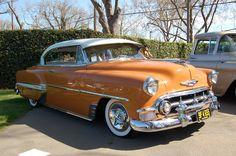 1953 Chevrolet Bel Air - now that is one beautiful auto! Chevrolet Bel Air, Chevrolet Corvette, Chevrolet Auto, Chevrolet Trucks, Bugatti, Lamborghini, Auto Retro, Retro Cars, Vintage Cars