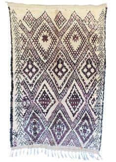 Tribe: Beni Ouarain Code: B31 Size: 5'5×8'6 Fiber: Wool Pile: Short Condition…