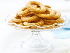 Vaniljavannikkeet ovat pikkuleivät isoäidin tyyliin; manteli ja voi antavat niille suussasulavan, jäljittelemättömän maun. Kokeile samalla ohjeella helppoja, mutta herkullisia viipaleleipiä.