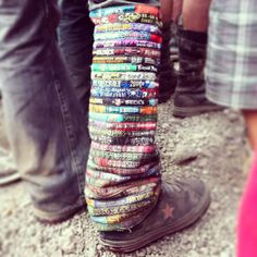 Now over the years we've seen some cool things made out of old festival wristbands but this one is up there with the best of them! Thanks for sharing it with us Festigram Edm Festival, Festival Fashion, Festivals, Festival Bracelets, Rave Gear, Raver Girl, Music Fest, Camping, Design Crafts
