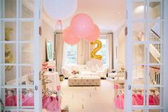 PARTY MODE: PINKALICIOUS- A peak into the pink-tastic celebrations of Scarlett's 2nd birthday only @ www.mini-mode.com #minimode
