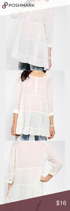Ecote tiered breezy babydoll tunic white NWOT. Great worn over bathing suits or styled like the model with a pair of denim jeans. Urban Outfitters Tops Tees - Long Sleeve
