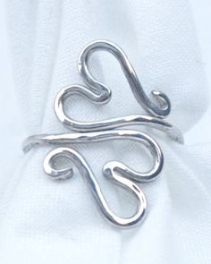 Double Sterling Heart Ring di IMCreativelyBent su Etsy