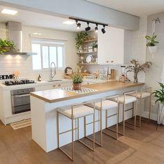 43 kitchen designs for small space studio kitchen ideas 4 43 k Home Decor Kitchen, Kitchen Remodel, Kitchen Decor, Small Space Kitchen, Interior Design Kitchen, Kitchen Remodel Small, House Interior, Studio Kitchen, Home Kitchens