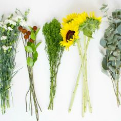 Some simple tips on how to transform inexpensive flower bunches from the supermarket to chic bouquets!