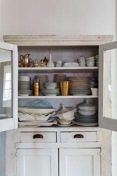 A Feminine French-Inspired Home on the Upper West Side - Home Tour - Lonny Upper West Side, Big Kitchen, Home Decor Kitchen, Small Space Storage, Storage Spaces, Organizing Your Home, Home Organization, South Shore Decorating, Shabby Chic Homes