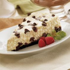 Sensibly Delicious Chocolate Chip Cheesecake is perfect to serve your family and friends any time of the year. Cheesecake Deserts, Chocolate Chip Cheesecake, Cheesecake Recipes, Delicious Chocolate, Delicious Desserts, Yummy Food, Baking Cupcakes, Cupcake Cakes, Food C