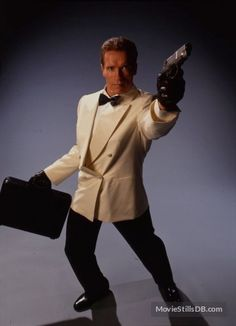A gallery of True Lies publicity stills and other photos. Featuring Arnold Schwarzenegger, Jamie Lee Curtis, Tia Carrere, Tom Arnold and others. Arnold Movies, True Lies, Movie Pic, Jamie Lee Curtis, James Cameron, The Expendables, Tough Guy, Arnold Schwarzenegger, Dressed To Kill