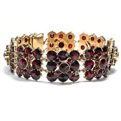Aus Böhmen kommt die Musik - und der Granat - Antikes Armband aus böhmischen Granaten, Berlin um 1930 von Hofer Antikschmuck aus Berlin // #hoferantikschmuck #antik #schmuck #antique #jewellery #jewelry