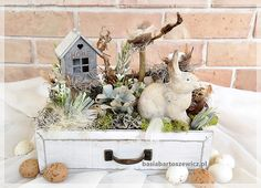 Easter, Table Decorations, Furniture, Home Decor, Decoration Home, Room Decor, Easter Activities, Home Furnishings, Arredamento